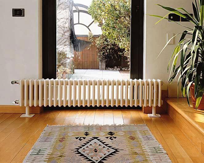 кронштейн для радиатора отопления напольный