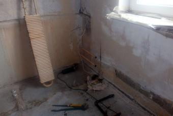 установить радиаторы отопления в квартире